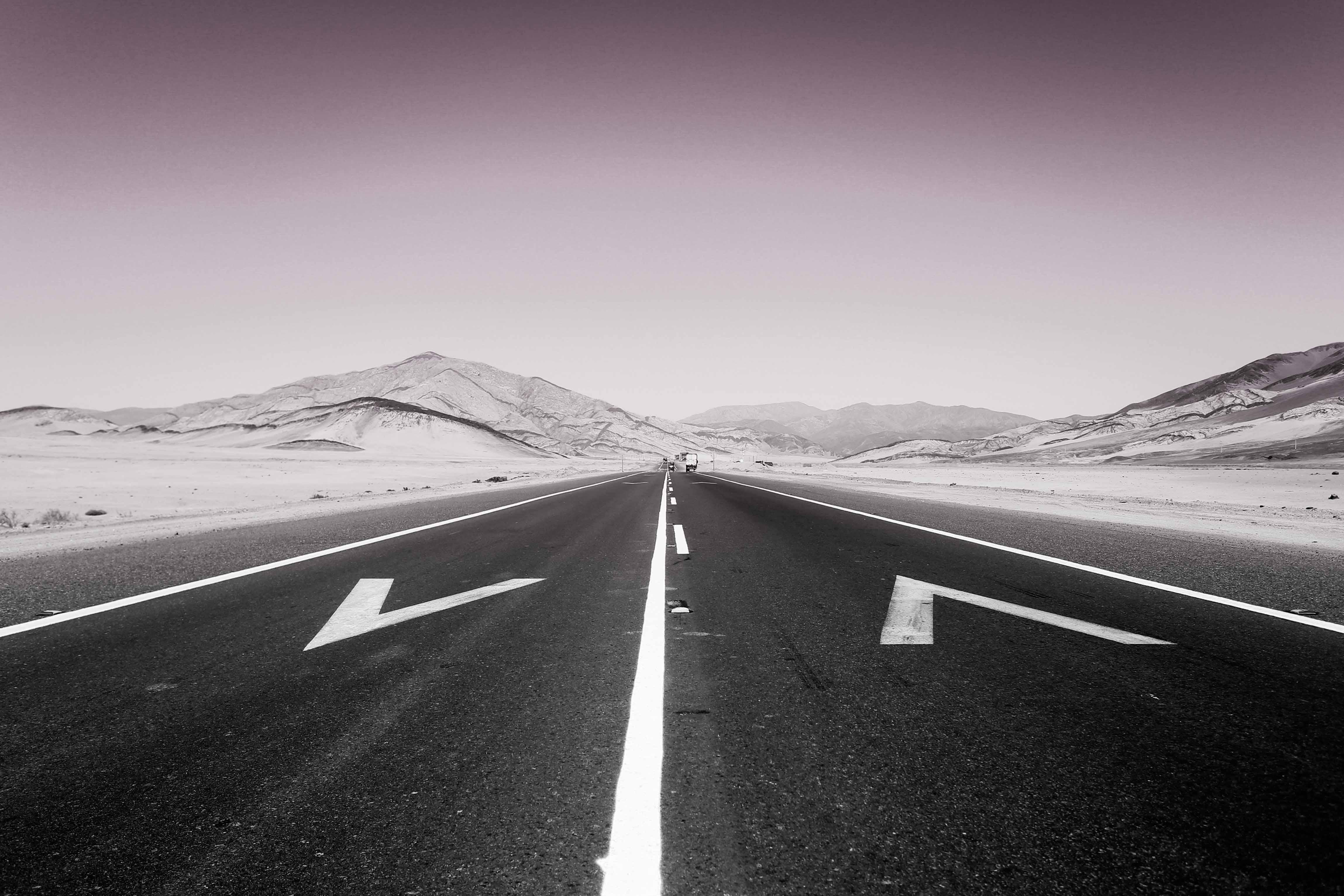 Una carretera por el desierto